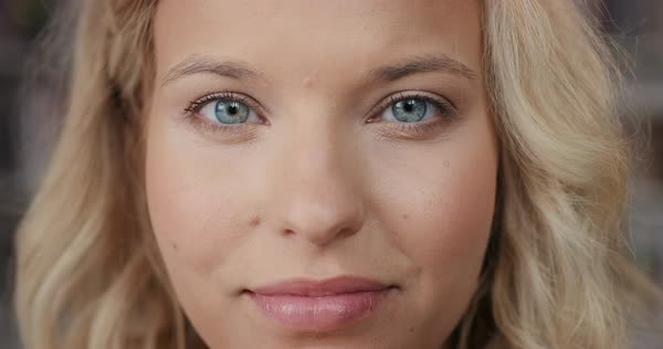 Bright Natural blue eyes pictures