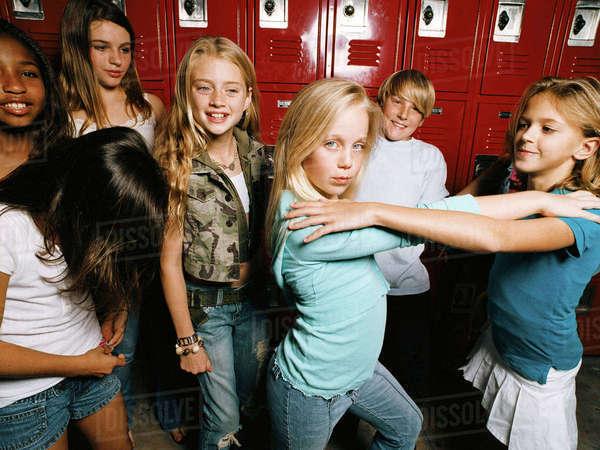 Midel school girls locker room - Adult videos