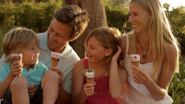 family group eating ice cream Royalty-free stock video