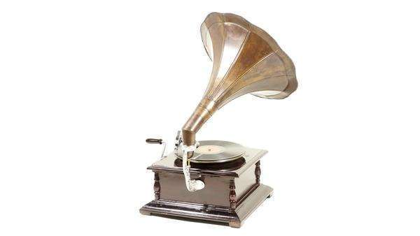 Vintage gramophone rotating Royalty-free stock video