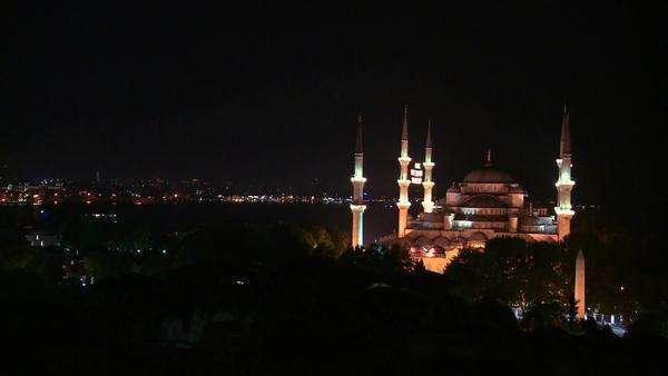 Wide shot at night of the Blue Mosque, Istanbul, Turkey. Royalty-free stock video