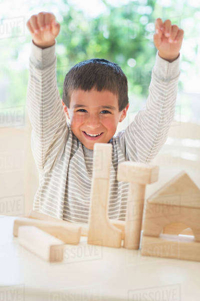 Boy (6-7) playing with toy blocks Royalty-free stock photo