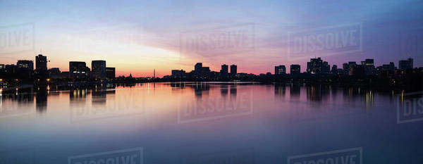 Silhouette of city at dusk Royalty-free stock photo