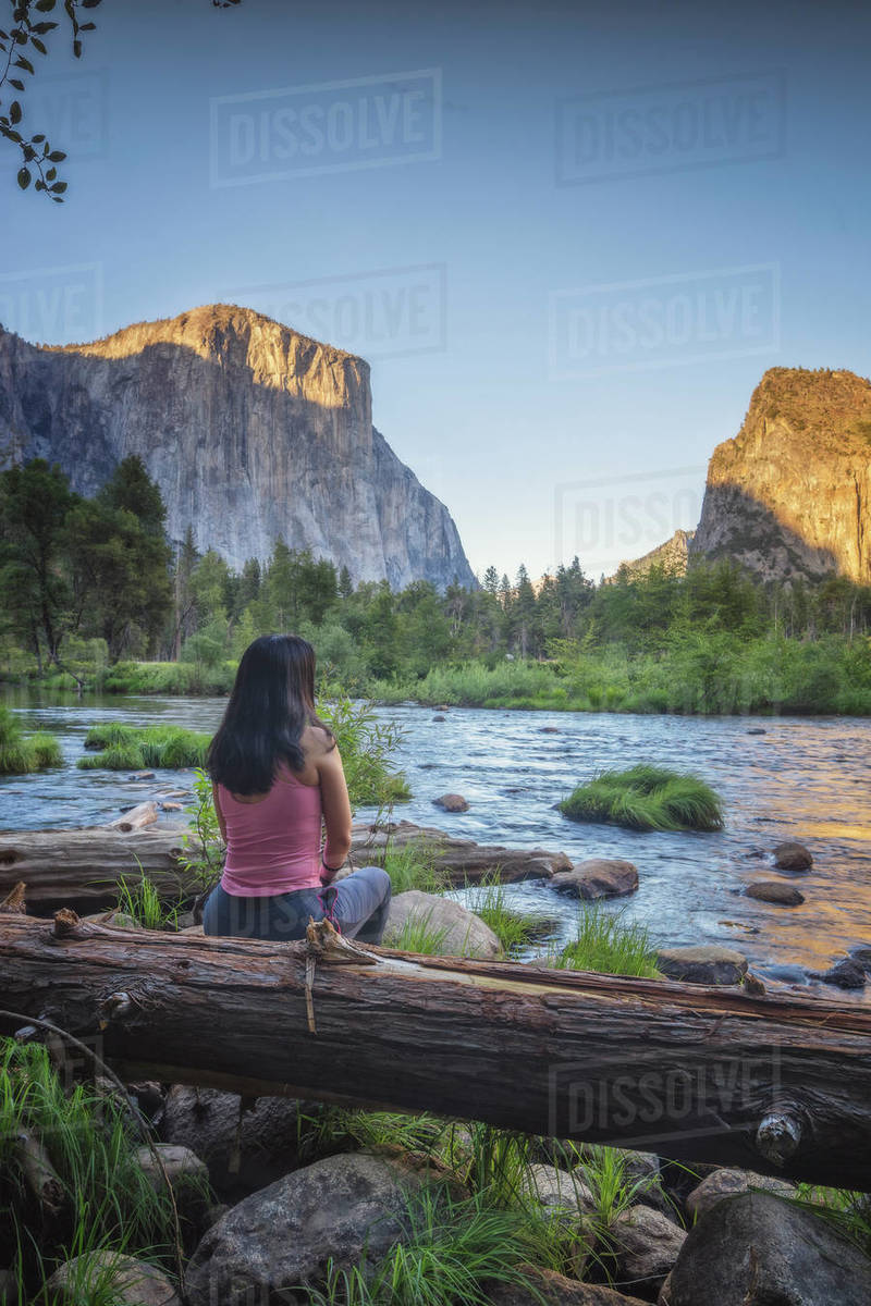 Woman observe Yosemite national park environment from capitan view Royalty-free stock photo