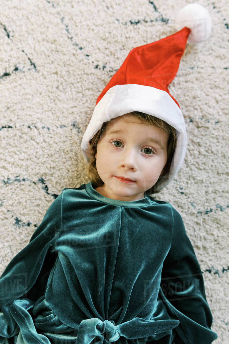 A little girl dressed up like a Christmas elf Royalty-free stock photo