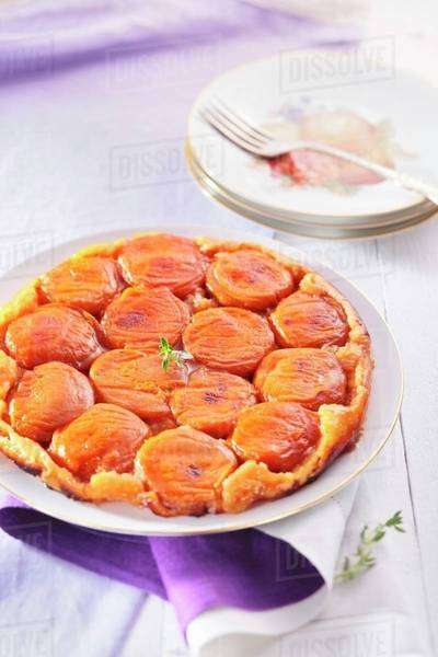 Apricot tarte tatin Royalty-free stock photo