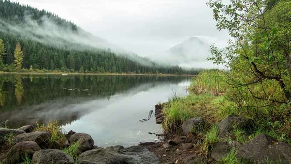 Trillium Lake with Mt. Hood in the Fog with slider motion. Royalty-free stock video