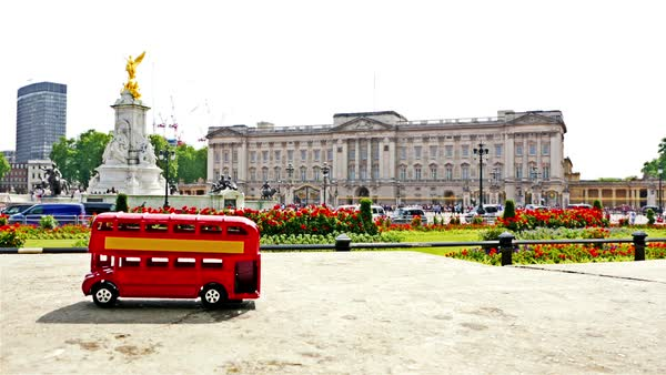 Stop motion of the famous London red bus passing by Buckingham palace in London, part 4 Royalty-free stock video
