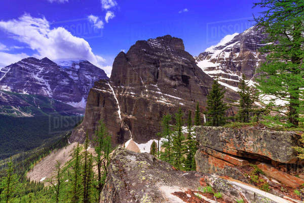 Mountain landscape of Paradise Valley in Banff National Park Royalty-free stock photo