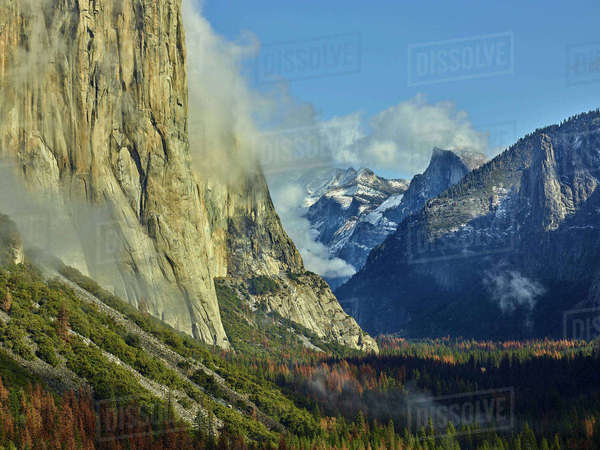 Scenic view of trees and mountains against sky at Yosemite National Park Royalty-free stock photo