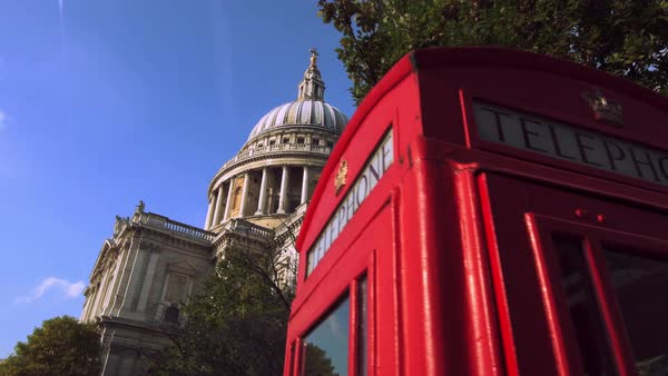 A jib shot of st paul's from behind a london red telephone box Royalty-free stock video