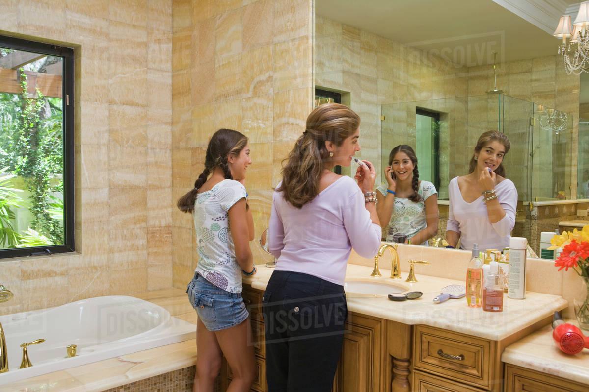 Suggest teen girl bathroom mirror