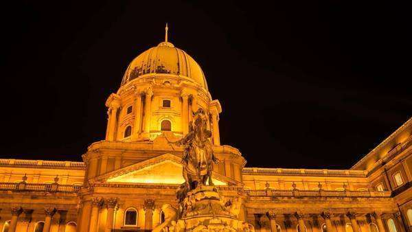 Hyperlapse of statue in front of Buda Castle in Budapest at night Royalty-free stock video