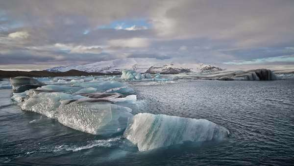Hyper-lapse Icebergs drifting in Jokulsarlon Glacier Lagoon Iceland. Slow camera drift down on motion control slider (more exaggerated as the clip is sped up) Royalty-free stock video