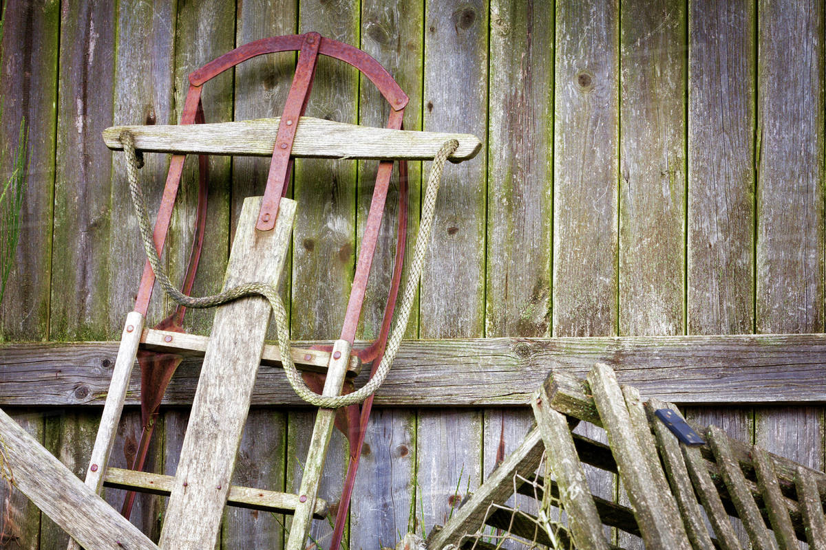 Superbe USA, Washington, Belfair. Old Sled In Storage.