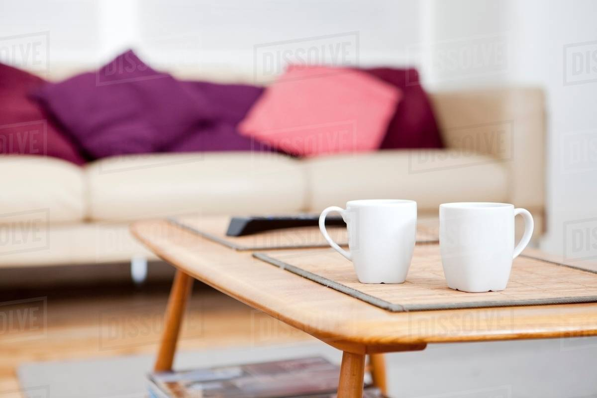 Stupendous Two Coffee Cups On Coffee Table D25 15 544 Pabps2019 Chair Design Images Pabps2019Com