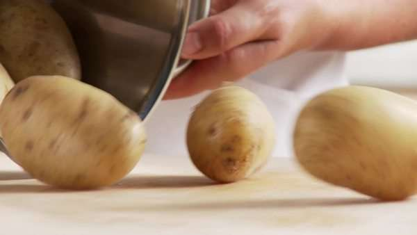 Cooked potatoes being left to cool Royalty-free stock video