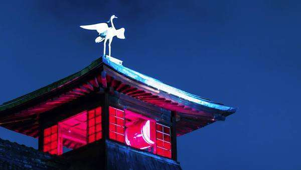 Timelapse of Dogo Hotspring's (Onsen) legendary heron on top of the bath house in Matsuyama, Japan Royalty-free stock video