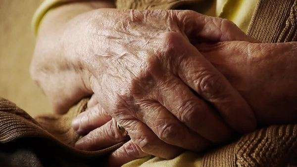 Senior old woman hand wrinkle skin close up Royalty-free stock video