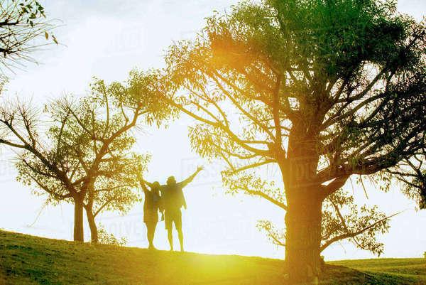 3dff809511c886 Couple enjoying nature