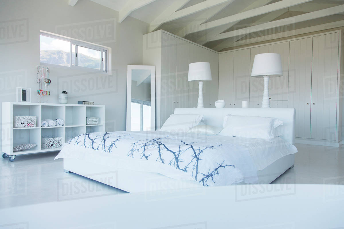 Modern white bedroom interior with double bed D985_22_178
